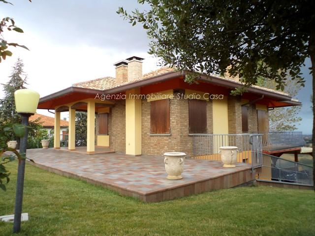 Agenzia immobiliare studio casa case singole gradara - Case in vendita scandicci con giardino ...